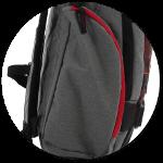 zwei große Seitentaschen mit Reißverschluss