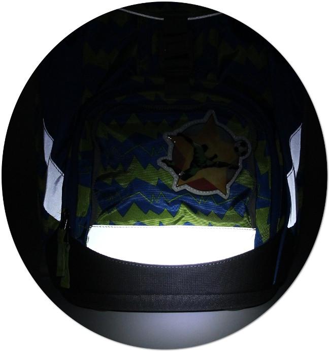 Der ergobag Schulranzen leuchtet im Dunkeln