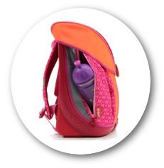 Die geräumigen Seitentasche des Scout Nano